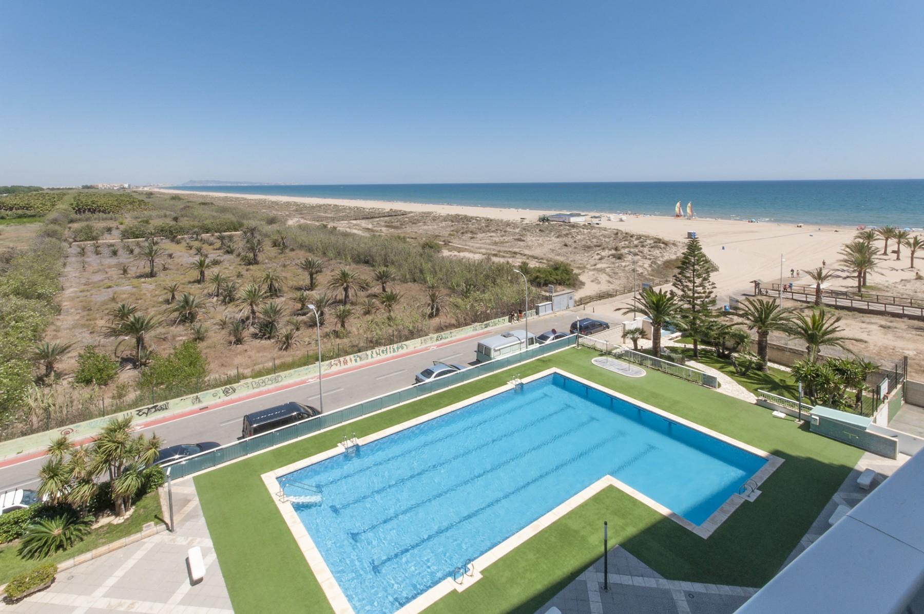 Apartamentos playa de gandia alquiler de apartamentos en - Apartamentos baratos vacaciones playa ...