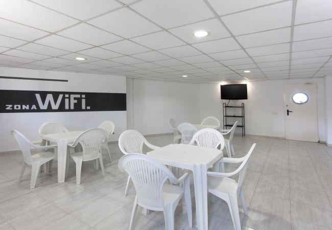 Apartamento en Playa de Gandía - 36. AG AIGUABLAVA 7-3